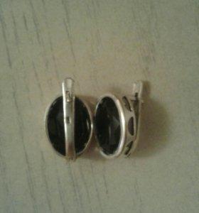 Продам серьги серебро.