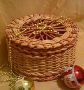 Плетеная шкатулка