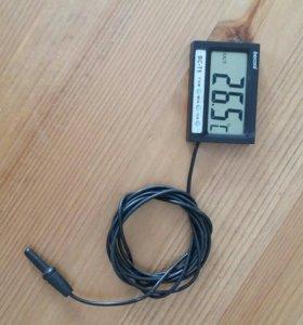 Термометр часы .