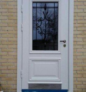 Входная дверь со стеклопакетом и кованой решеткой
