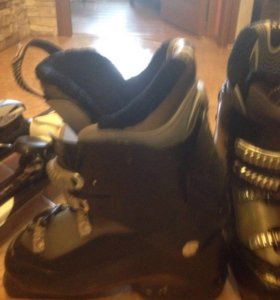 Горнолыжные ботинки и лыжи размер 38-40