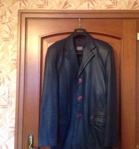 Синий кожаный пиджак