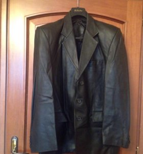 Чёрный пиджак кожаный