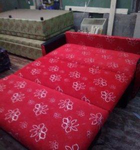 Красивый диванчик
