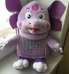 Лунтик – игрушка говорящая, обучающая.