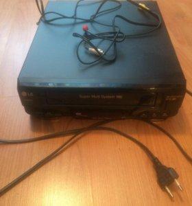 Видеомагнитофон LG W162W
