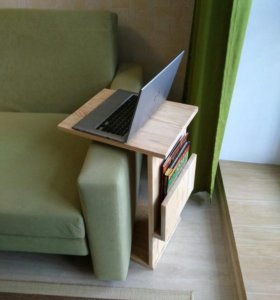 Приставной столик