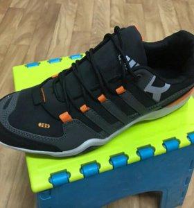 Новые кроссовки Adidas размеры 41,43