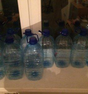 Пластиковые 5 литровые бутылки