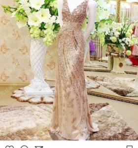 Золотое платье новое jovani