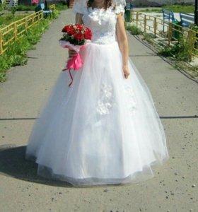 Свадебное платье+ фота+ подьюбник в три кольца