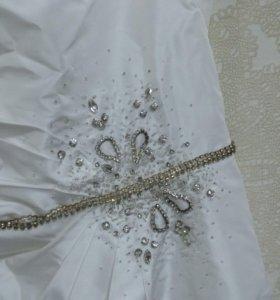 Платье коктельное белое