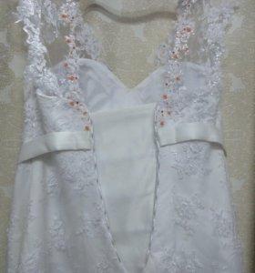 Продам новое платье из под руки дизайнера!