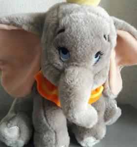 Слоненок Дамбо