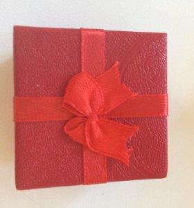 Подарочные коробочки для украшений колец