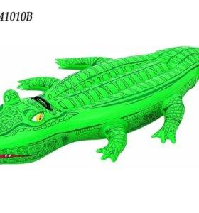 Надувной матрас-крокодил для плавания