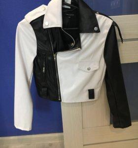 Укороченная курточка ,торг не большой уместен ;)