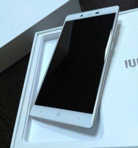 Смартфон IUNI i1