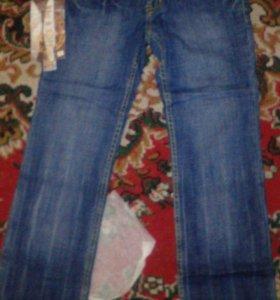 Новые джинсы в упаковке