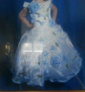 Очень красивое платье на девочку