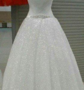 Свадебное платье опыленое