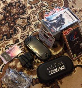 PSP-E1004 (полная комплектация) + игры
