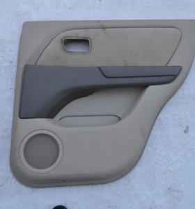 Обшивка дверей Toyota Harrier.