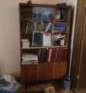 2 книжных шкафа