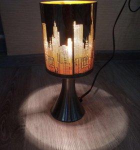 Светильник настольный