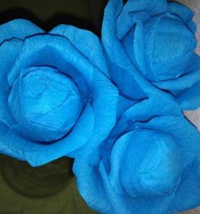 Розы из бумаги с конфетами
