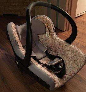 """Детское кресло """"bebeconfort"""""""