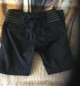 Черны женские брюки 28 размер