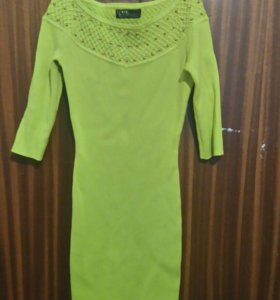 Продаю новое вязанное платье