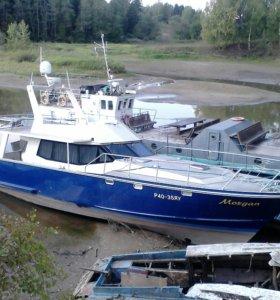 Морская яхта