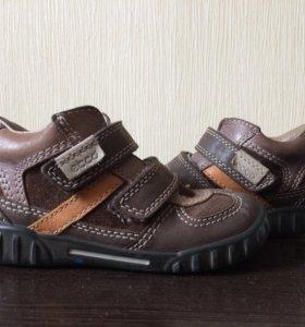Осенние-весенние кожаные ботинки ecco