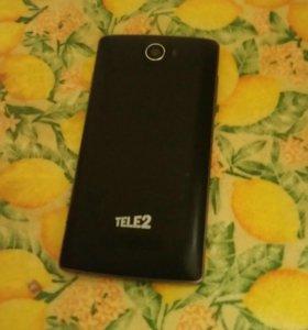 Телефон Tele2 на двух симках в хорошем состоянии п