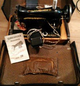 Машина швейная с электроприводом