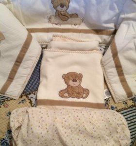 Бортик, одеяло и простынка для люльки.