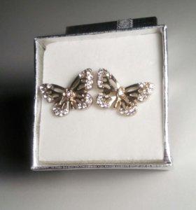 Серёжки бабочки со стразами
