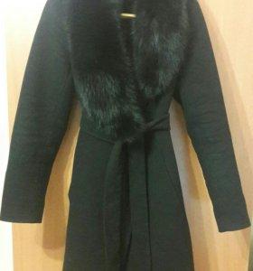 СРОЧНО! Зимнее пальто,воротник из натур. меха