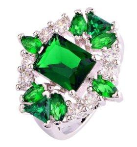 Новое кольцо с камнями