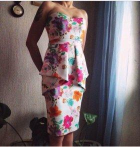 Новое платье из неопрена с этикеткой