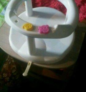 Ванночка,в подарок стульчик