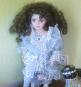 Кукла,фарфор