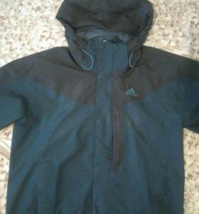 Продам фирменную осене-весению куртку..