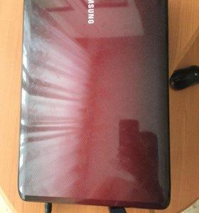 Ноутбук Самсунг р528