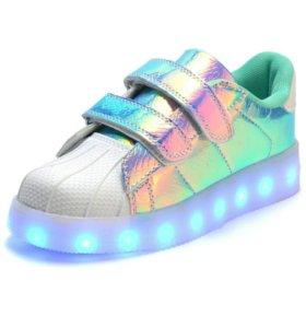 Светящиеся кроссовки для детей и подростков