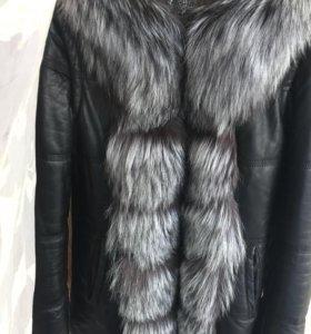 Кожаная куртка на синтепоне с мехом чернобурки