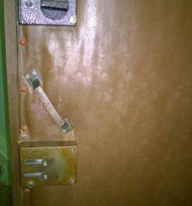 Дверь с дюралевым листом