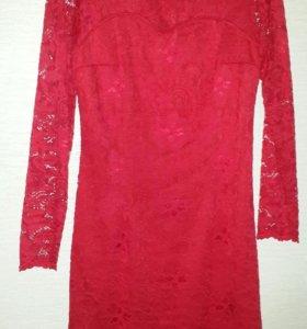 Платье р-р 46 гипюровое